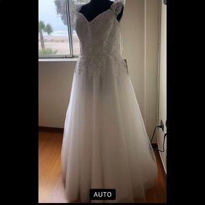 Wedding dress size 14-18
